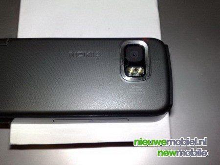 Nokia 5800 XpressMusic op foto vastgelegd