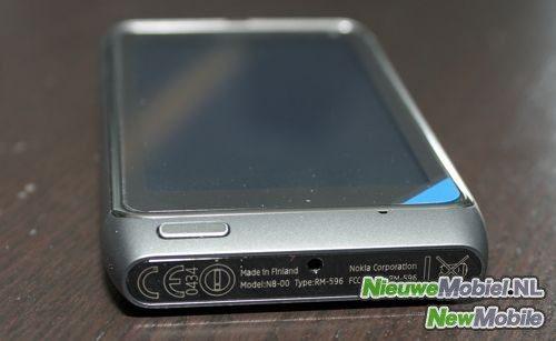 Nokia n8 side