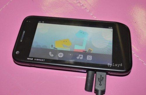 Hi-Lo Vibrant MeeGo-smartphone