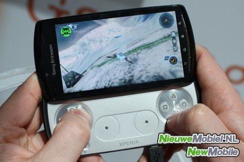 Sony Ericsson Xperia Play gaming