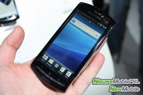 Sony Ericsson Xperia neo front