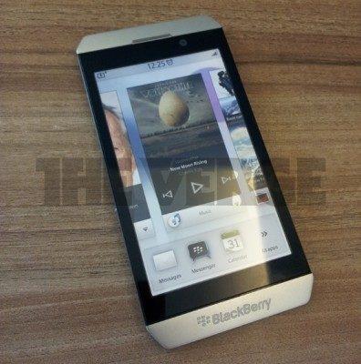Een eerder gelekte BB10 smartphone