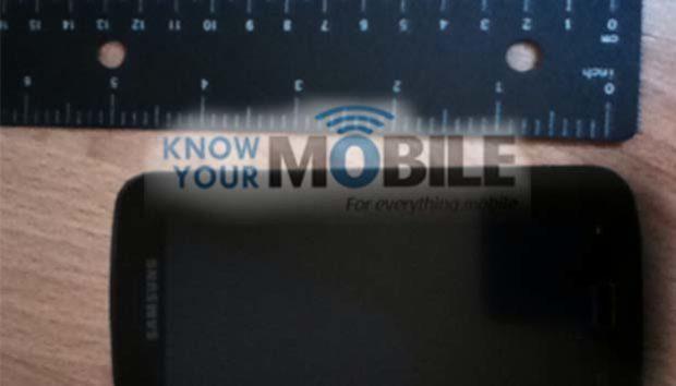 Samsung Galaxy S3 langs de meetlat gelegd