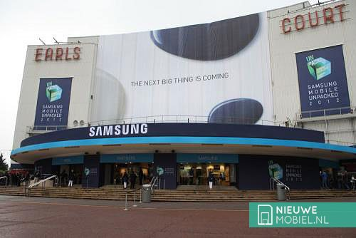 Samsung Galaxy S III unpacked