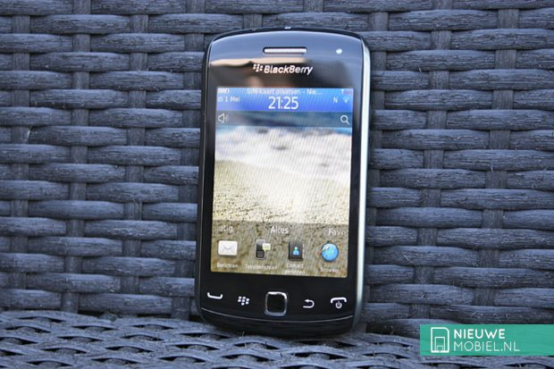 BlackBerry Curve 9380 in chair