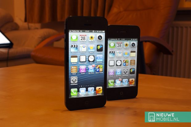 iPhone 5 next to the iPhone 4