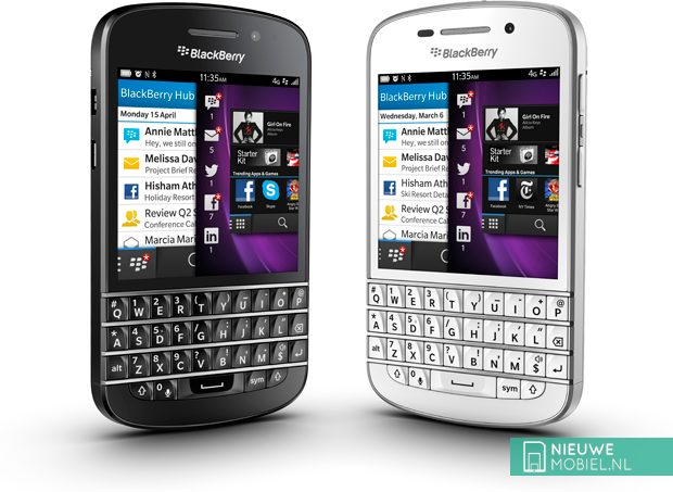 Blackberry Q10 Black and White