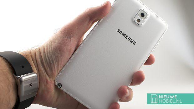 Samsung Galaxy Note 3 in hands