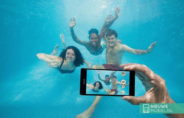 Sony Xperia Z3 under water