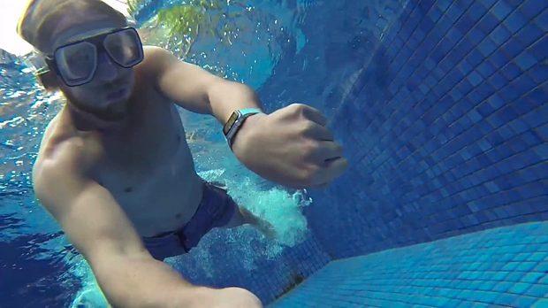 Apple Watch swimming