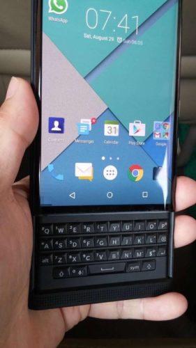 BlackBerry Venice front open screen on