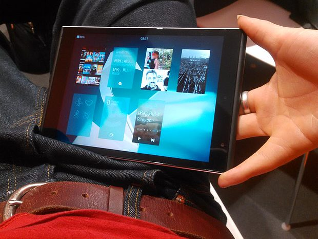 Jolla tablet running Sailfish OS 2.0