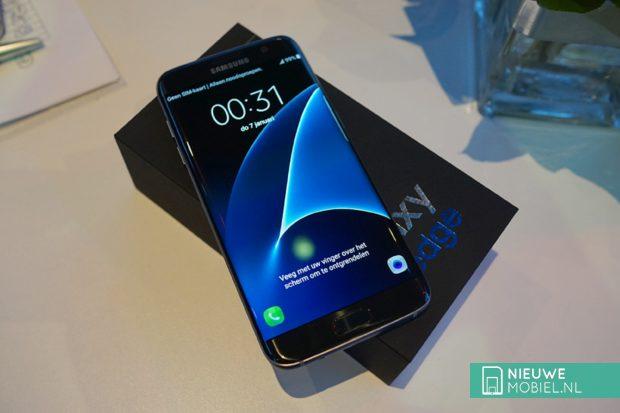 Samsung Galaxy S7 edge Onyx Black in doos