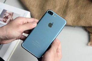 Apple iPhone 7 Plus achterkant blauw