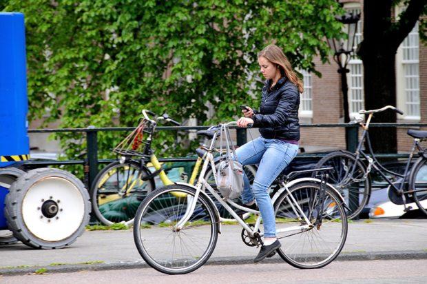 Telefoon op de fiets