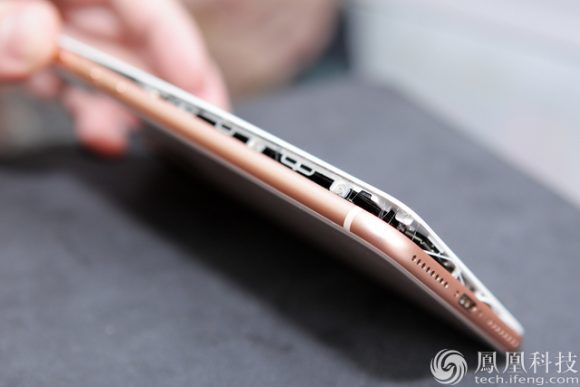 Apple iPhone 8 Plus opgezwollen batterij