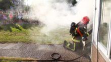 Brandweer waarschuwt voor 's nachts opladen mobiel