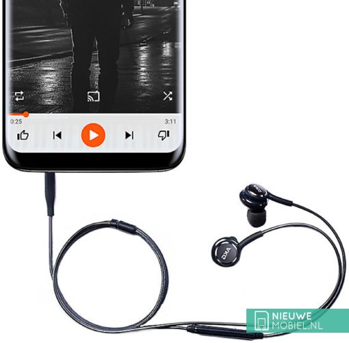Samsung S8 with AKG headset