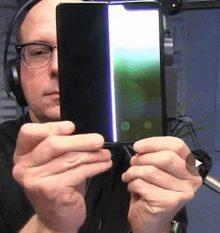 Ergens tussen de 110.000 en 120.000 vouwen is het scherm van de Samsung Galaxy Fold stuk gegaan. / via @danackerman