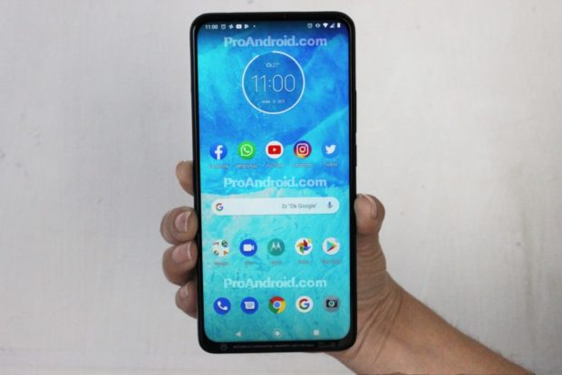 Motorola One pop-up selfiecamera