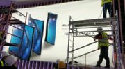 Poster toont uniek opvouwbare Huawei Mate X