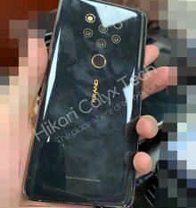 Dat is interessant! HMD Global testte de Nokia 9 PureView met vingerafdrukscanner achterop ipv in het scherm. Zo blijkt uit dit prototype. /Via @Hikari_Calyx