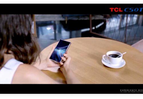 TCL visualizza uno schermo AMOLED roll-up da 6,7 pollici
