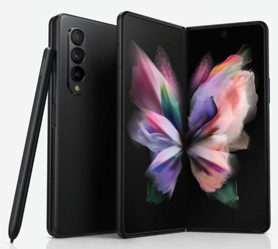 Samsung Galaxy Z Fold 3 in nero