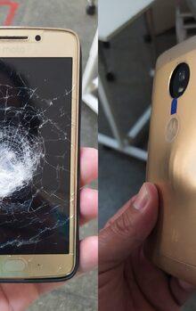 Los teléfonos móviles pueden salvarte la vida, ¡literalmente! Este Motorola Moto G5 atrapó una bala durante un robo y salvó la vida de alguien // vía @Oparbento1