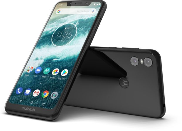 Motorola One black overview