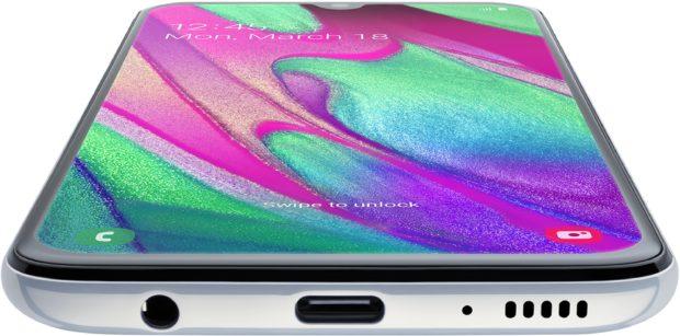 Samsung Galaxy A40 white bottom tilted ed