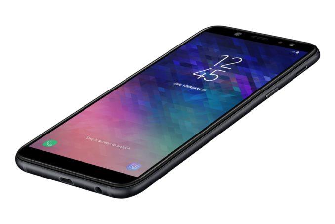Samsung Galaxy A6 zwart voorkant rechterzijkant onderkant schuin