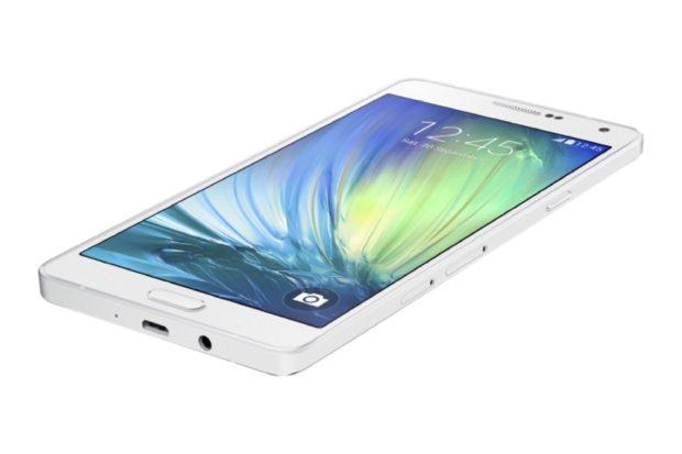 Samsung Galaxy A7 schuin wit