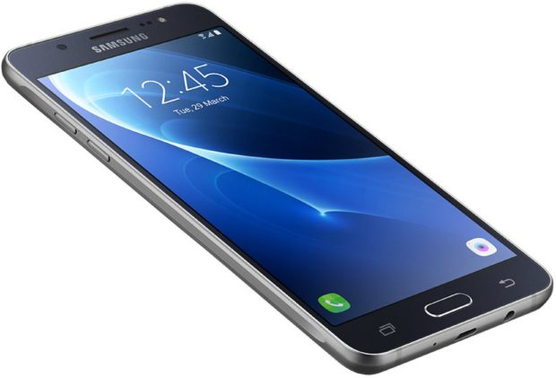 Samsung Galaxy j5 2016 duos zwart schuin